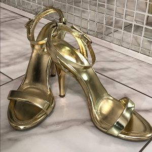 BCBGeneration Gold Hight Heels 😍